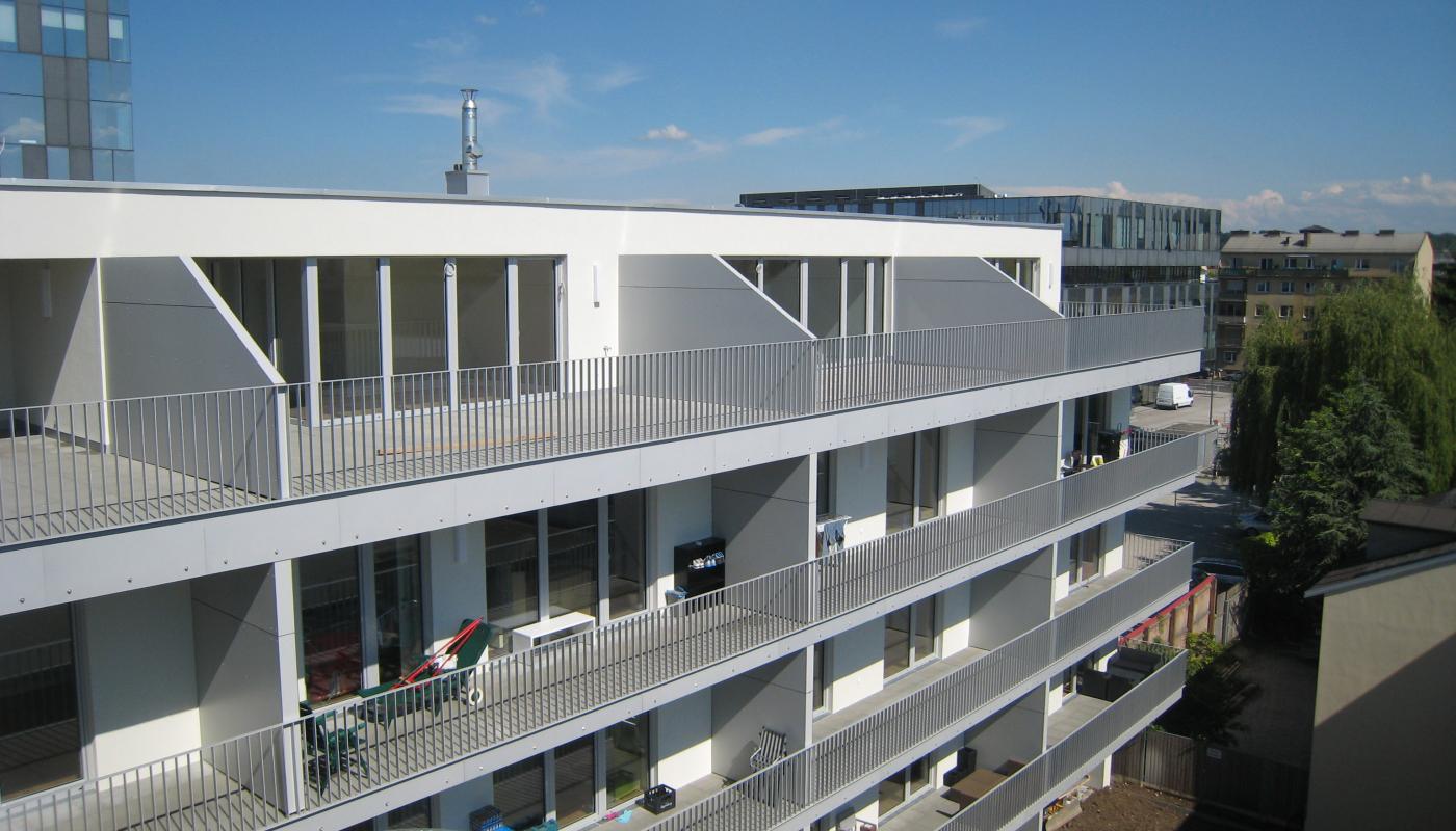 Fassadengestaltung mit Max-Exterior Schichtstoffplatten